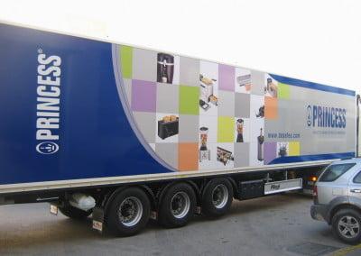 Decoración en vinilo para caja de camión