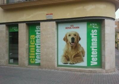 Decoración en vinilo para escaparate en Sant Cugat