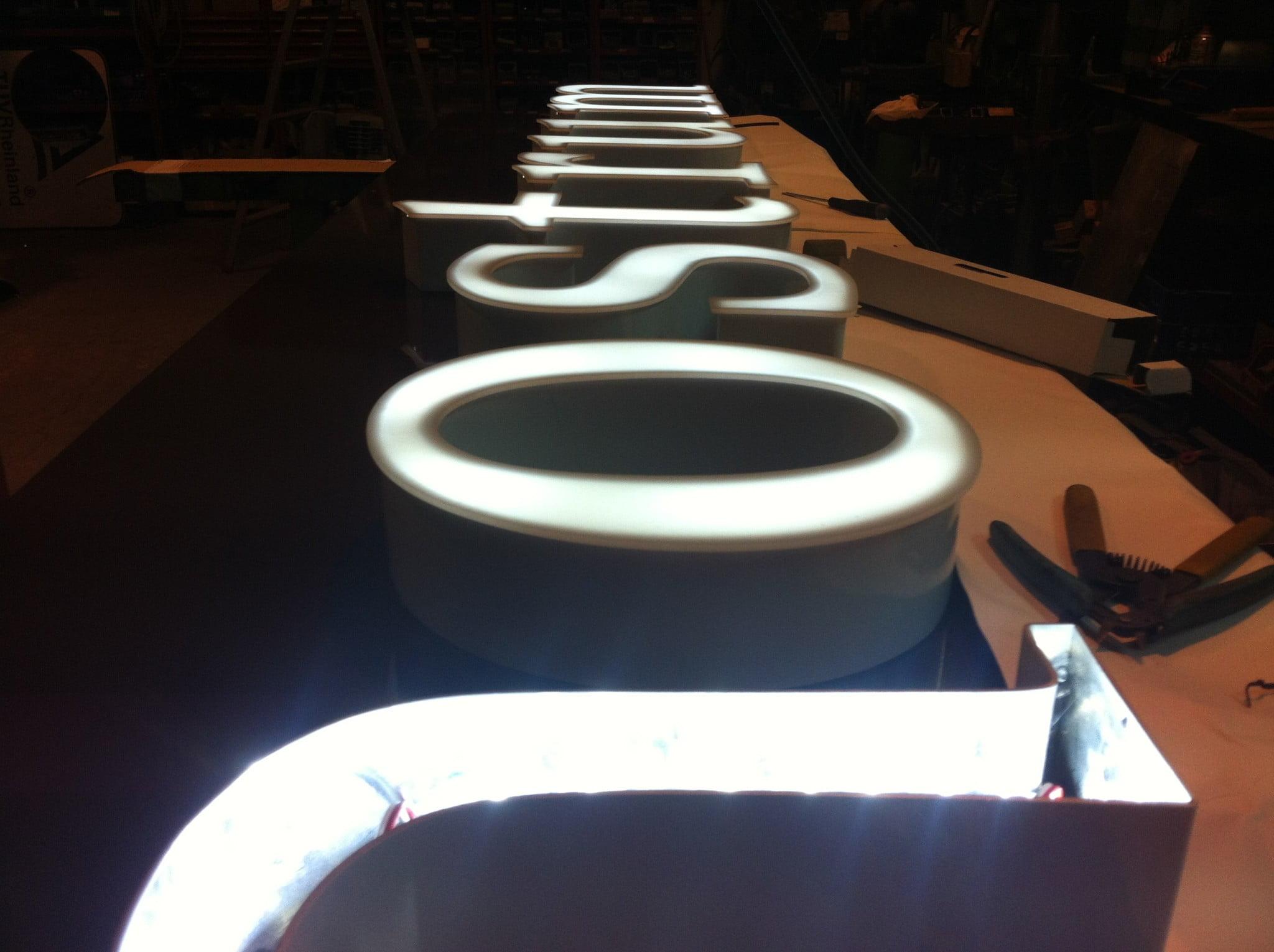 Letras corp reas r tulos sanju - Fabricacion letras corporeas ...