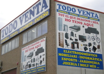 Pancartas gigantes para fachadas de naves industriales
