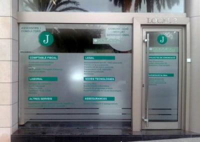Rotulación de cristalera en vinilos glaseados en Barcelona