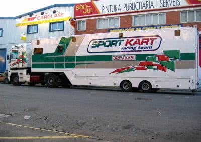 Rotulación en vinilo de remolque de carreras