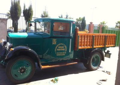 Vinilo de corte dorado para camión retro